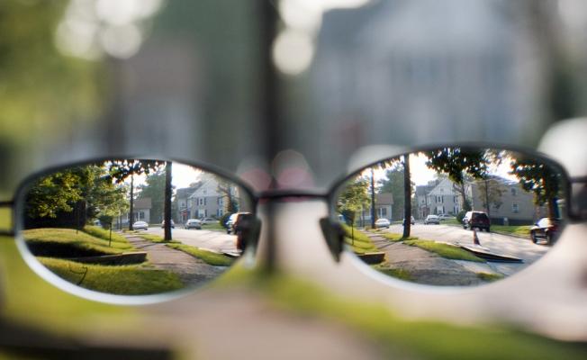 2050 Yılında Dünyanın Yarısı Gözlük Takacak
