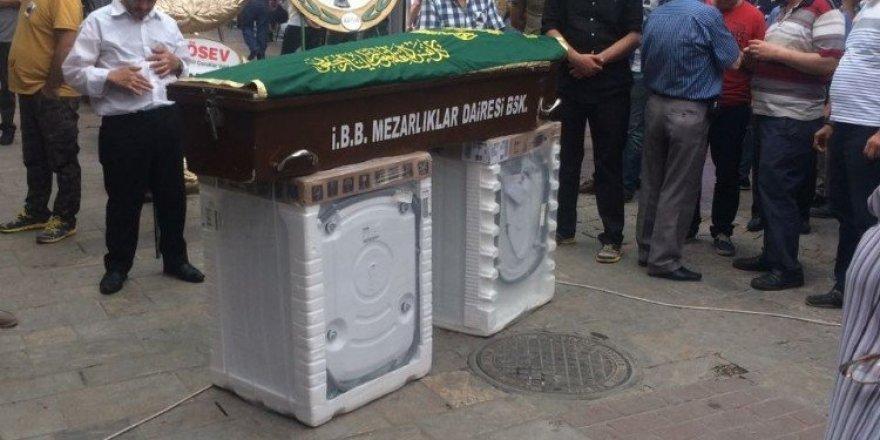 Çamaşır Makinesi Üzerinde Cenaze