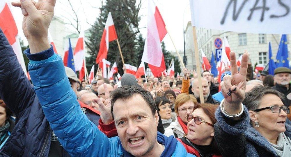 Polonya'da Yargı Bağımsızlığı Tehlikesi