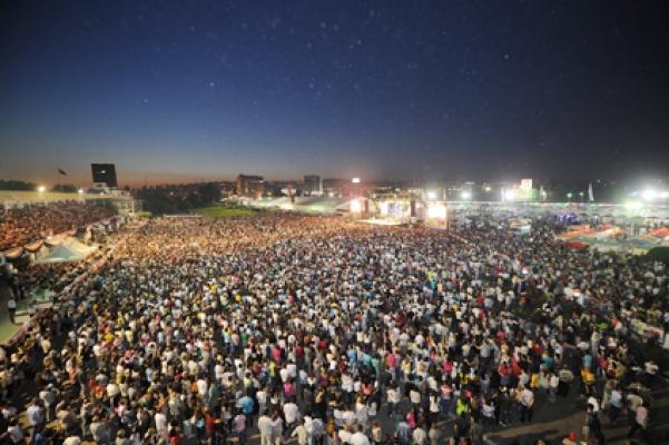 Ankara'da Festival Yağmur Dinlemedi
