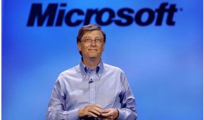 Bill Gates Anroid'li Telefon Kullanıyor