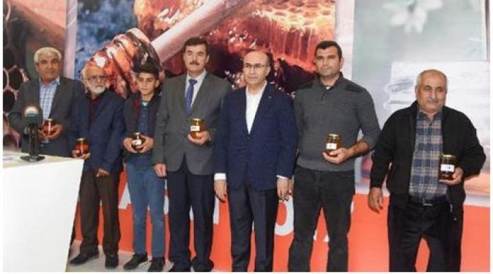 Adana'da Bal Yarışması