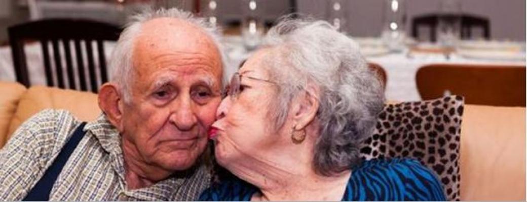 İngiliz Bilim İnsanları: Evlilik Bunama Riskini Azaltıyor