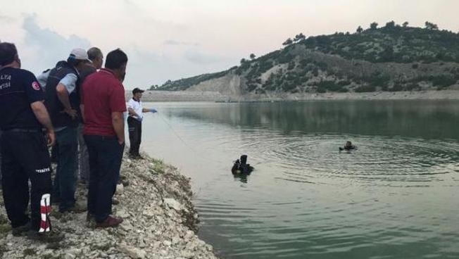 Seyhan Nehri'nde Balık Tutarken Mahsur Kaldı