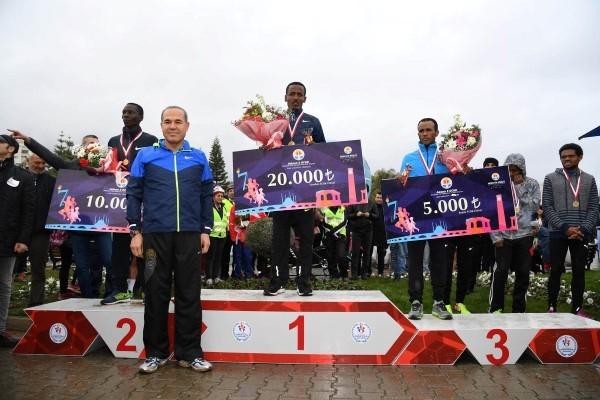 Adana Kurtuluş Maratonunu Kenyalılar Kazandı