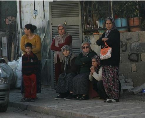 Adana'da Servis Aracına Saldırı