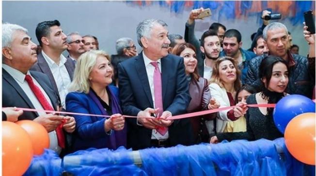 Adana'da Buz Pisti Heyecanı