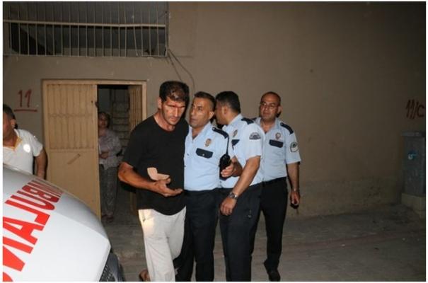 Sahurda Hırsız Tarafından Bıçaklandı