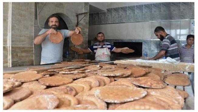 Adana'da Tanesi 7 TL'ye Siyez Ekmeği