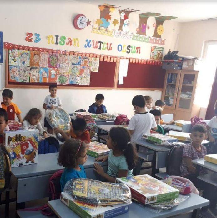 Adana Karaisalı İlçemiz İlkokulları İçin Hep Birlikte El Ele