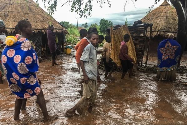 Kasırgada Ölü Sayısı Bini Aşabilir