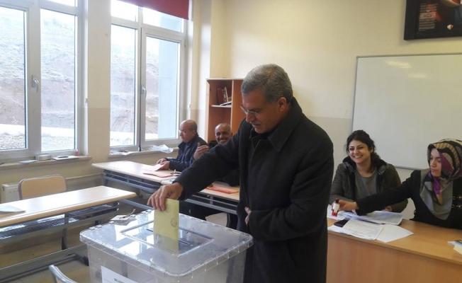 Adıyaman Sincik'te Kazanan Bağımsız Aday Mehmet Buz