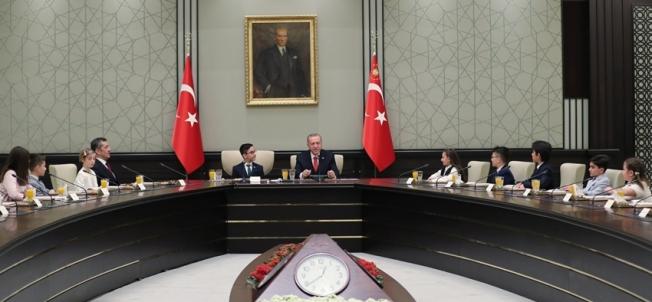 Cumhurbaşkanı Recep Tayyip Erdoğan Çocukları Kabul Etti