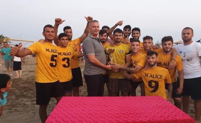 Plaj Futbol Ligi Karataş Etabı Şampiyonu Beyaz Yunus