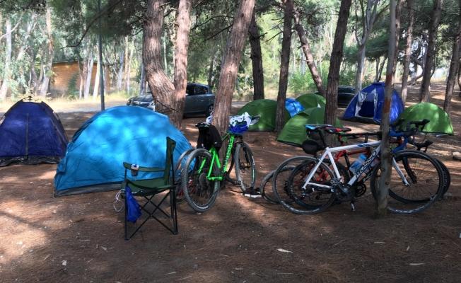 Bisikletçiler doğaya duyarlılık için temizledi
