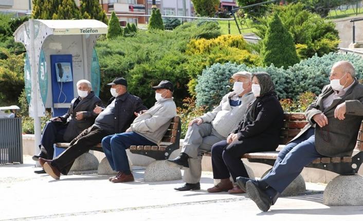 65 Yaş Üstü Vatandaşlar Turizm Seyahatlerini İzin Belgesi ile Yapacak