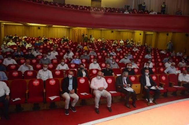 Adana'da Belediye Meclisi Karıştı Belediye Başkanı Darp Edildi