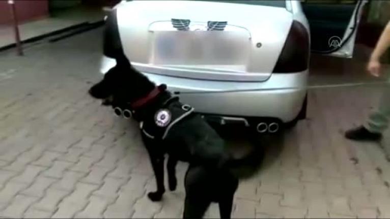 Adana'da Otomobilin Yakıt Deposunda Esrar Yakalandı!