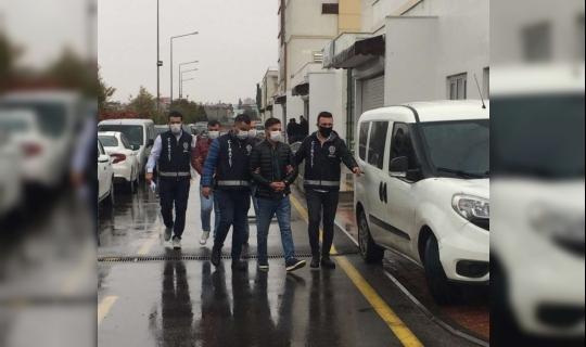 Adana'da Kıyafet Tartışması Kanlı Bitti