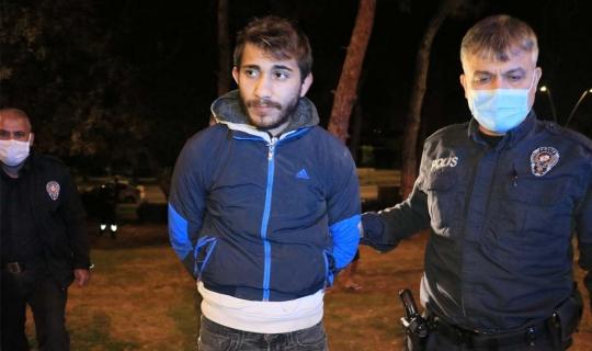 Adana'da Maske Holiganları Polislere Saldırdı