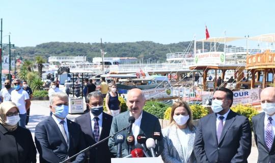 Bakan Karaismailoğlu Balıkesir Altınova'daki Balıkçılar İle Bir arada