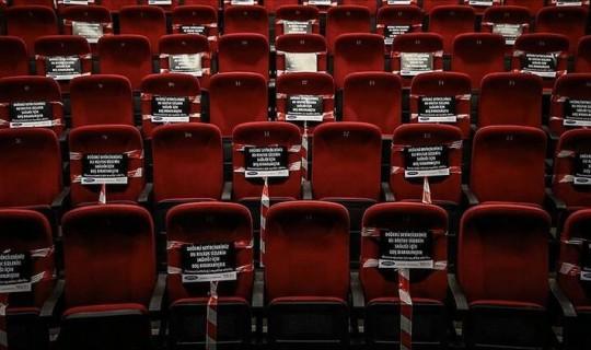 Sinema Salonları 24 Saat Sonra Tekrar Kapatıldı