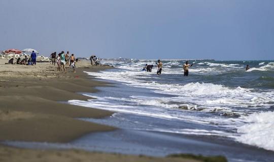 Adana Karataş'ta Denize Girmek Yasaklandı!
