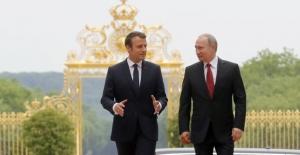 Macron Putin'i Ağırladı