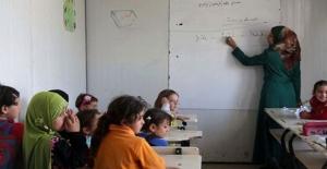 MEB IŞİD Baskısındaki Çocuklar İçin Eğitim Veriyor
