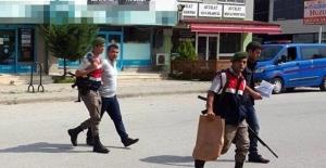 Fethullah Gülen'e Küfreden Babasını Tabancayla Vurdu