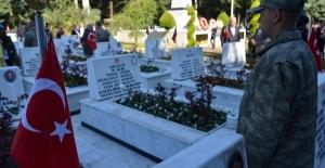 Adana'da 18 Mart Şehitleri Anma Günü