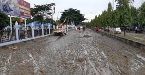 Endonezya'yı Sel Vurdu: Onlarca Ölü ve Yaralılar Var