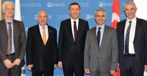 Millî Eğitim Bakanı Ziya Selçuk, Oecd'de 2023 Eğitim Vizyonu'nu Anlattı