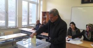 bSincik#39;te AKP Kayıp Yeni Belediye.../b