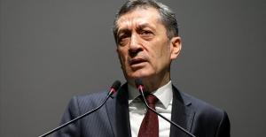 Milli Eğitim Bakanı Ziya Selçuk'tan 23 Nisan Mesajı