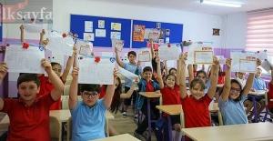Çocuklarının Karne Fotoğrafını Paylaşan Velilere Uyarı