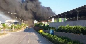 Adana'da Korkutan Fabrika Yangını