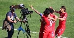 Adana Demirspor Şansını Son Haftaya Taşıdı