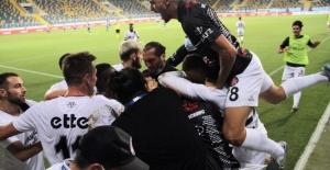 Adana Demirspor Penaltılarla Veda Etti