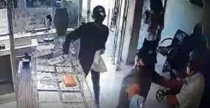 Adana'da Silahlı Kuyumcu Soygunu