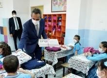 Bakan Özer, Sıfır Atık Projesi Kapsamında Defter Dağıtım Törenine Katıldı!