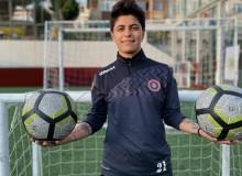Turkcell Kadın Futbol Ligi'nin Geçen Sene Gol Kraliçesi Oldu Şimdi De Galatasaray Kadın Futbol Takımında Oynamak İstiyor